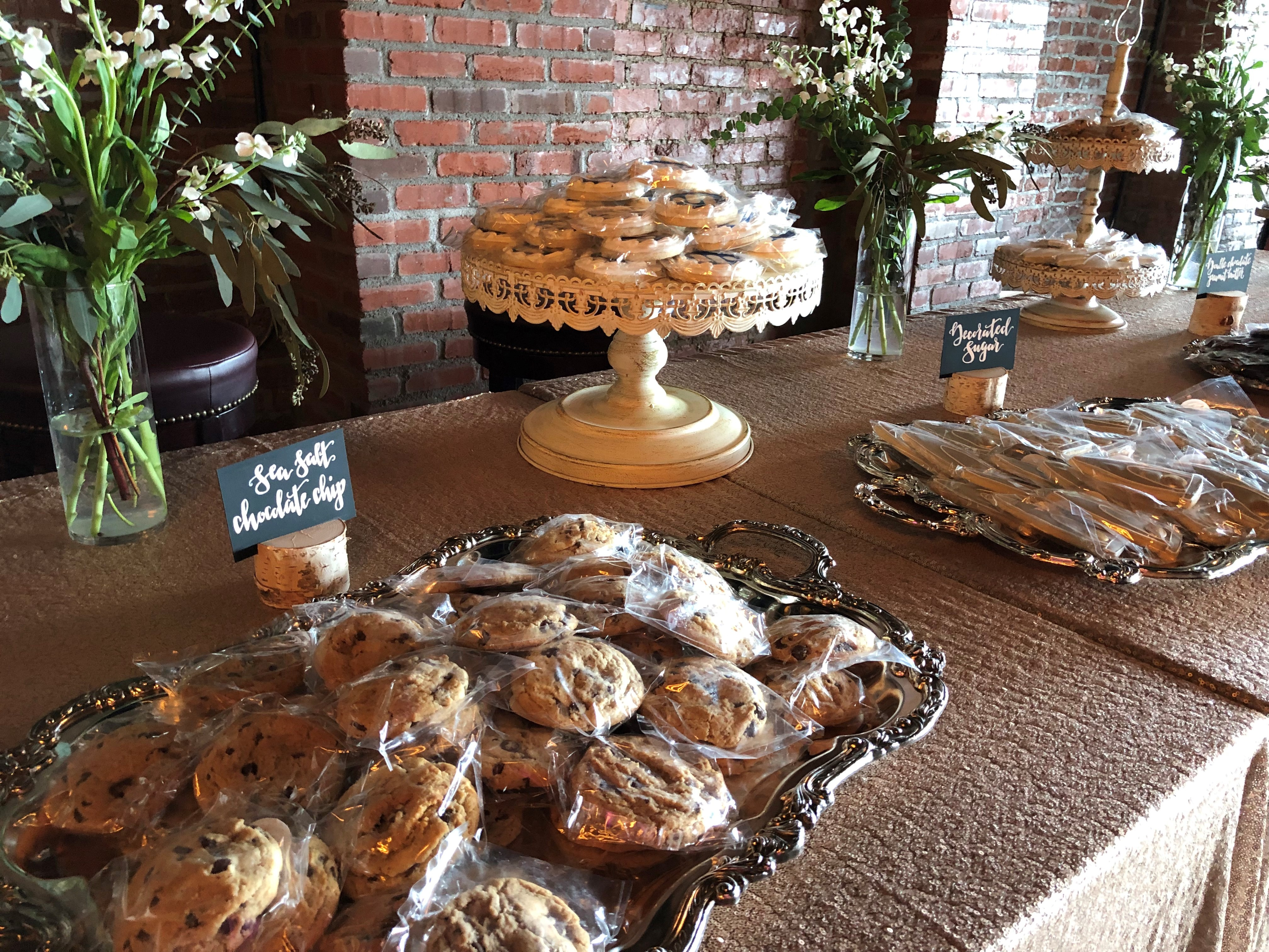 """<div class=""""meta image-caption""""><div class=""""origin-logo origin-image none""""><span>none</span></div><span class=""""caption-text"""">Raleigh's Southern Sugar Bakery is serving up some sweet treats at this year's CMAs (Credit: Southern Sugar Bakery)</span></div>"""