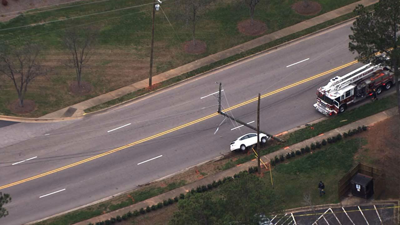 Prius knocks down power pole in RaleighChopper 11 HD