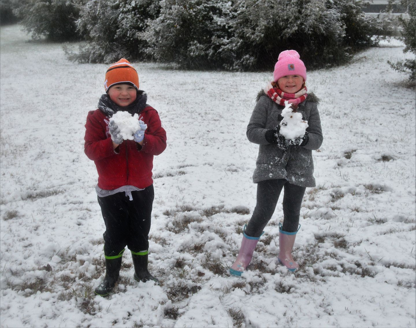 <div class='meta'><div class='origin-logo' data-origin='none'></div><span class='caption-text' data-credit='Credit: Katie Frank'>Snowball fight in Elfand</span></div>