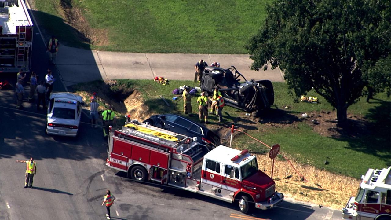 Emergency crews respond to bad wreck south of Clayton
