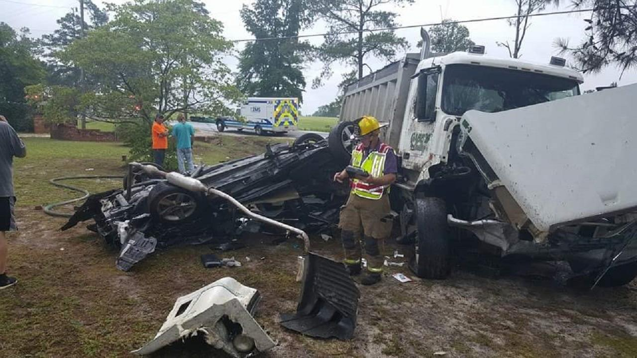 Photo from the scene of a wreck on Highway 401 near East Reeves Bridge Road