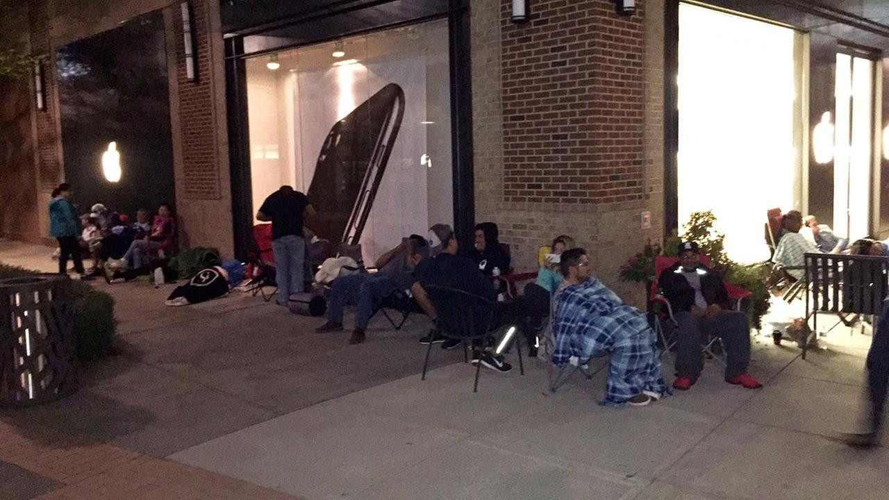 Line outside the Apple store at the Streets of Southpoint Mall in Durham early Friday morning