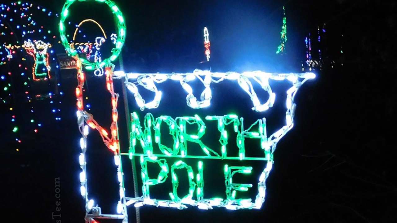 North Pole display at Christmas in the Park.http://themrstee.com/