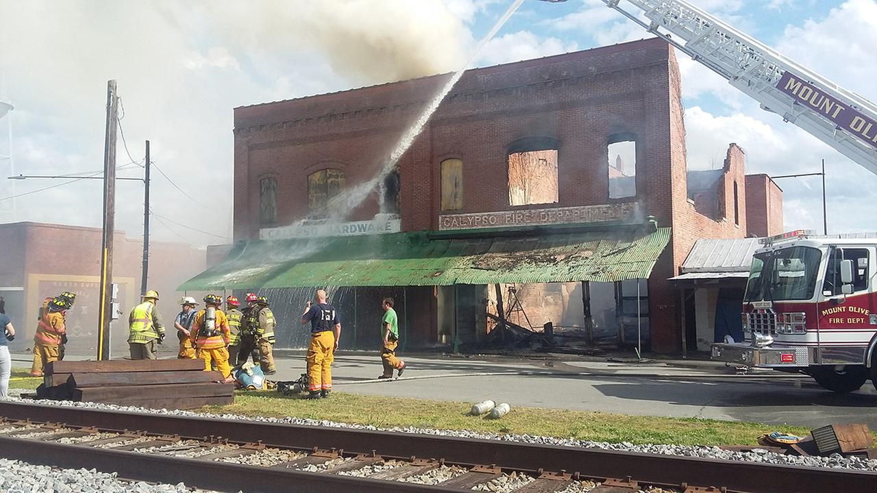 Fire destroys Duplin County landmarks