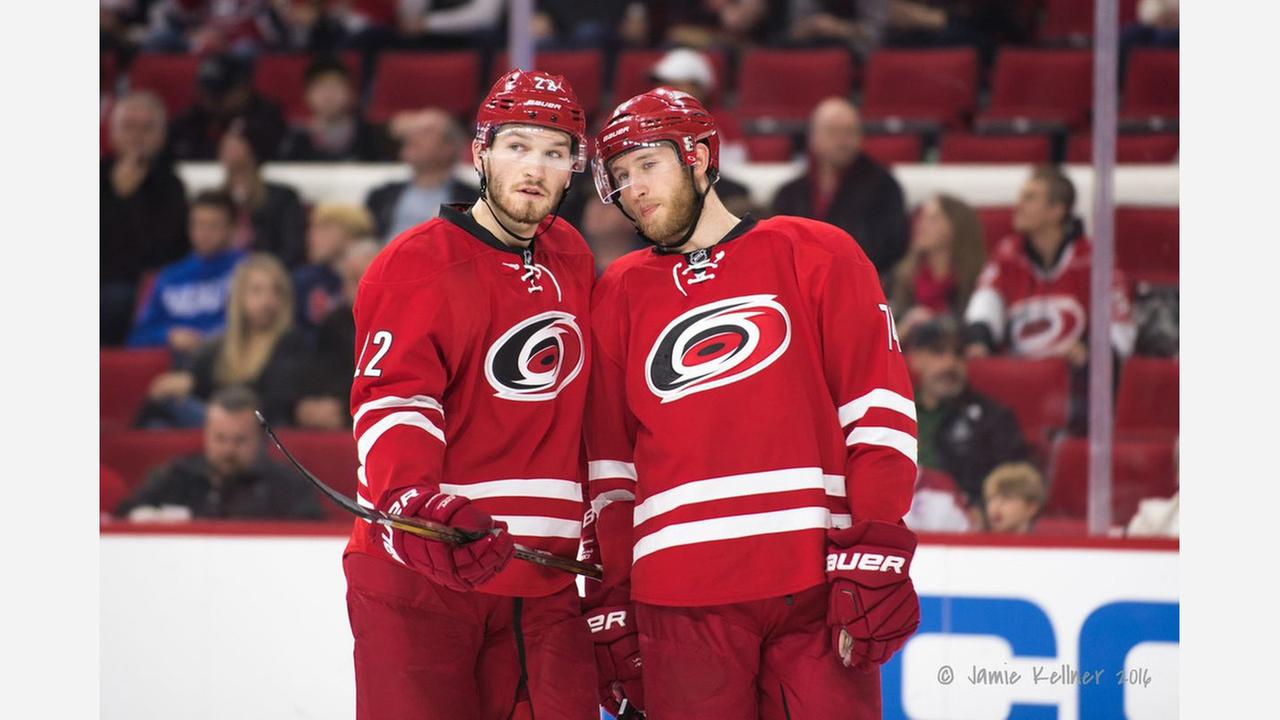 Hurricanes agree on 6-year deal with Pesce
