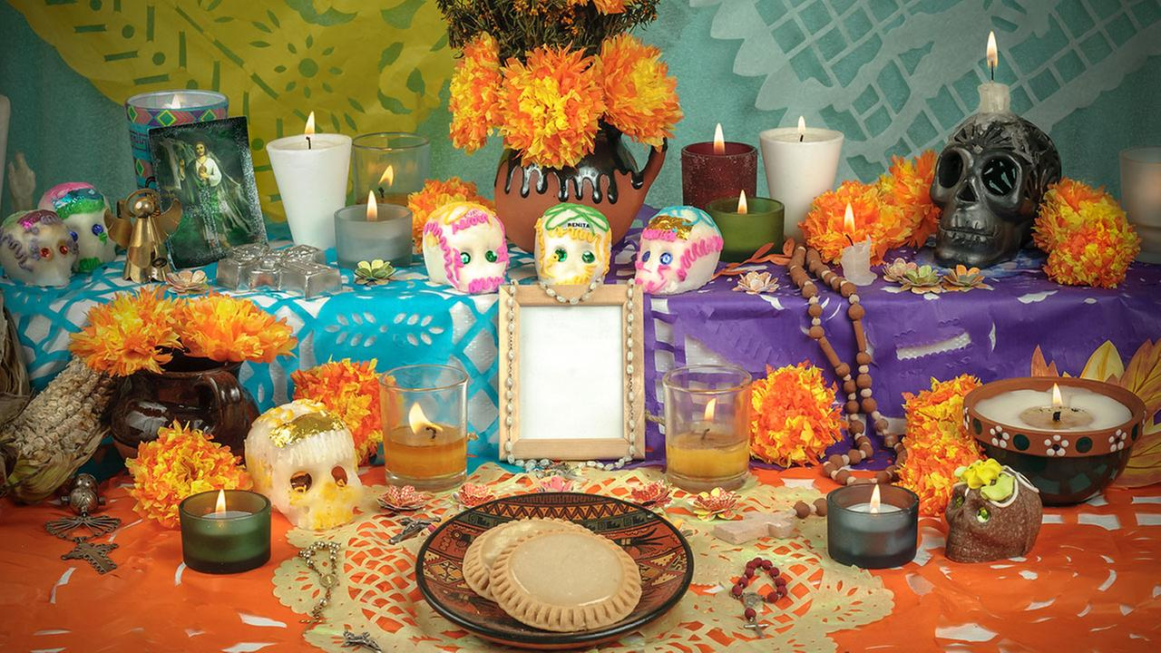 Inspiring Decor For Celebrating Dia de los Muertos