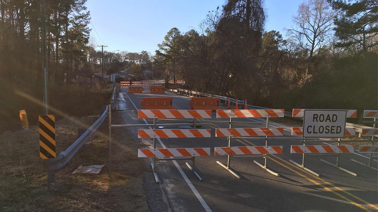 Louise Street Bridge closed immediately as precautionary measure