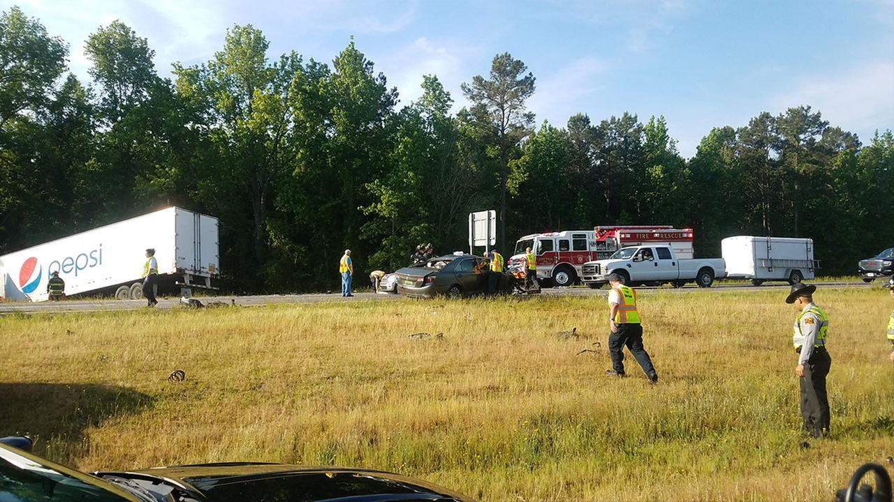 Person killed after car crashes into Pepsi truck on I-95 in Cumberland County