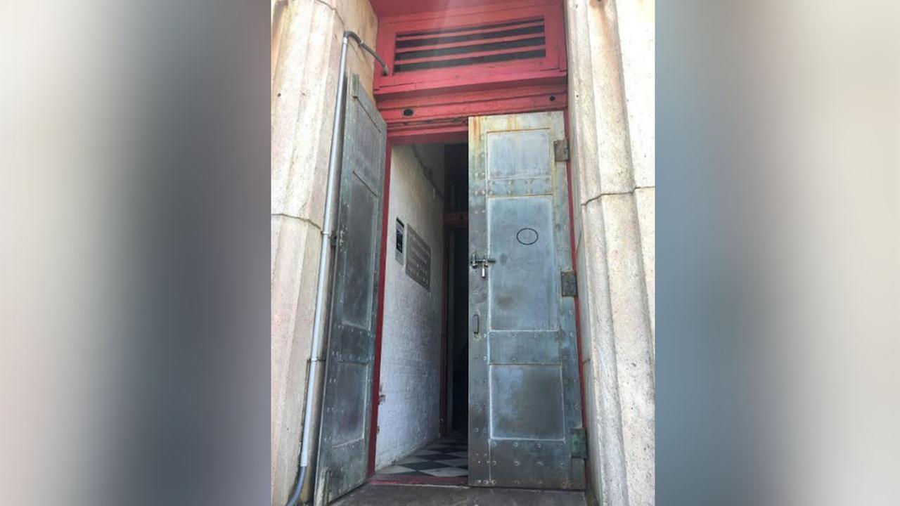 Officials: Vandals carve into bronze door at Cape Hatteras Lighthouse