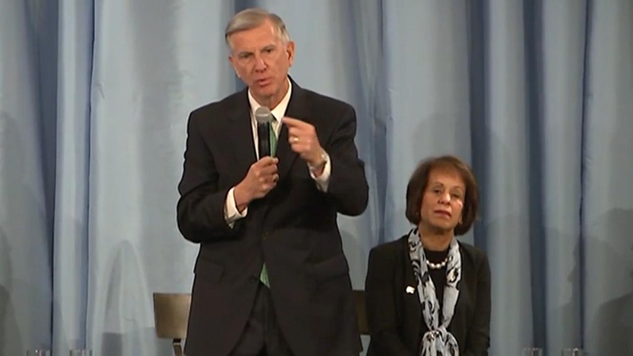 UNC President Tom Ross responds to questions about the Wainstein investigation.