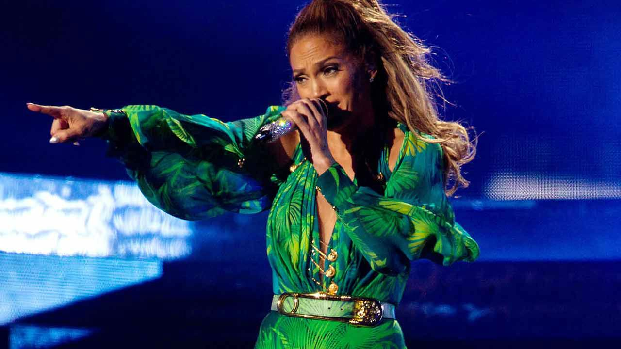 People Jennifer Lopez <span class=meta>(Kristina Bumphrey)</span>
