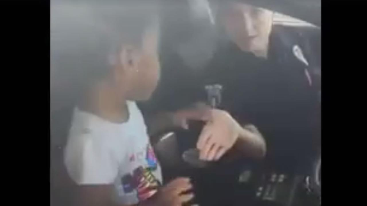 Charlotte police officer gives 2-year-old VIP tour of squad car