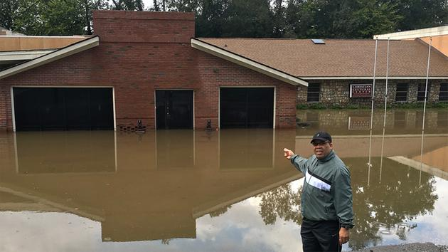 1533024_630x354 Central NC: SANDHILLS RESIDENTS DEAL WITH STORM'S SOGGY AFTERMATH