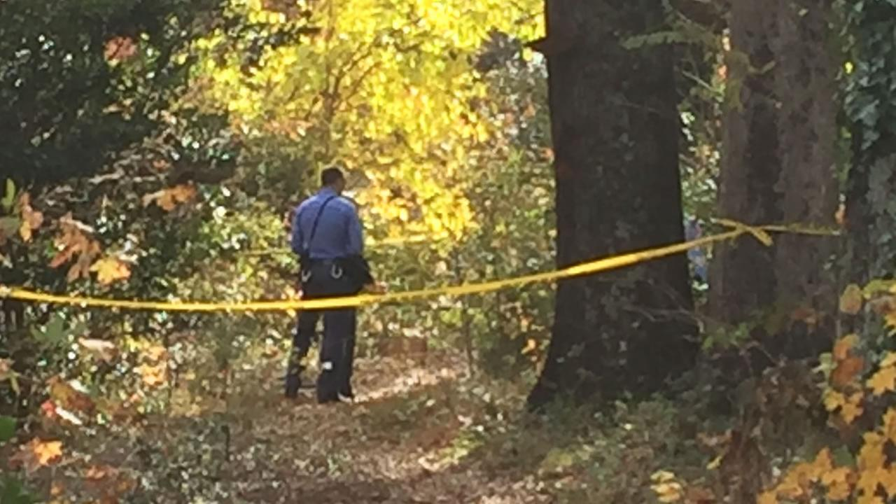 Police investigate at the scene. (WTVD photo/Adolfo Ibarra)