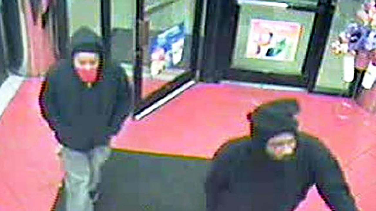 The two suspects in Sundays Circle K robbery in Durham.