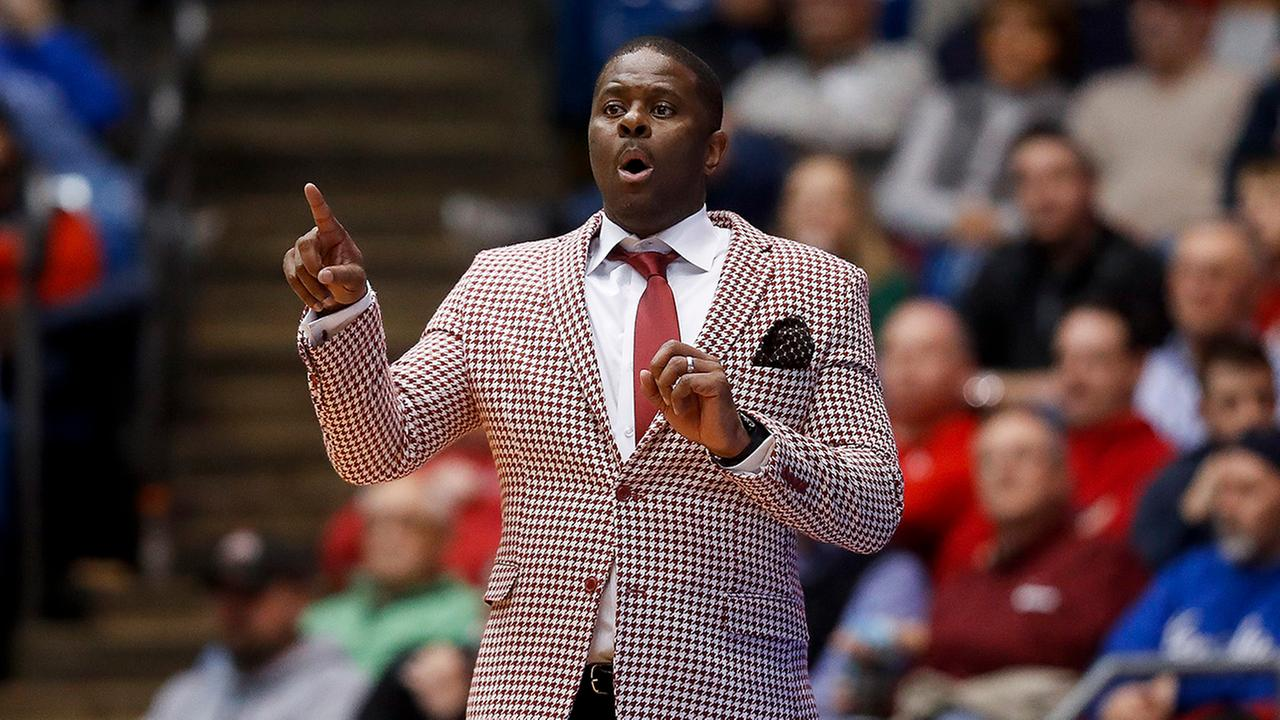 NC Central coach LeVelle Moton shouts instructions during the game against UC-Davis.