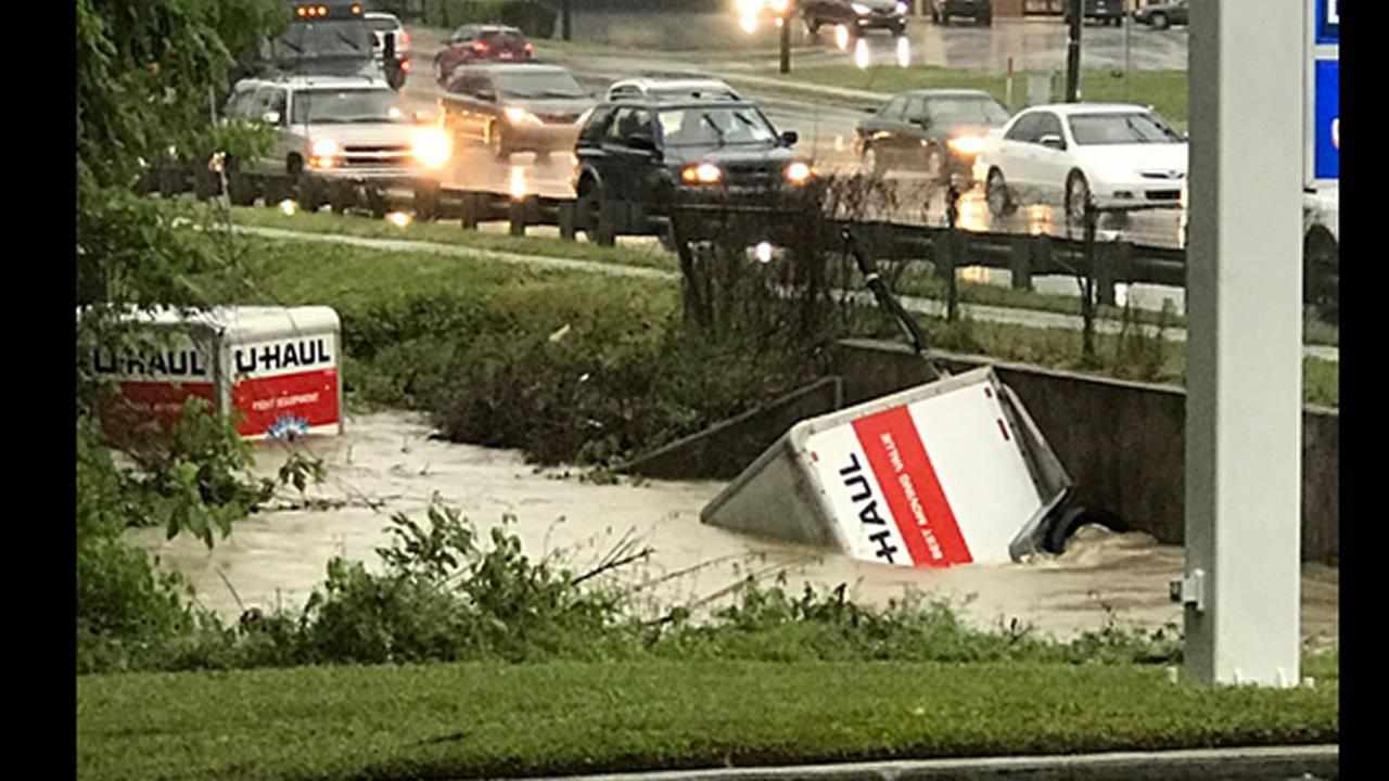 Capital Blvd near Brentwood (image courtesy @Scooby_Barkley)