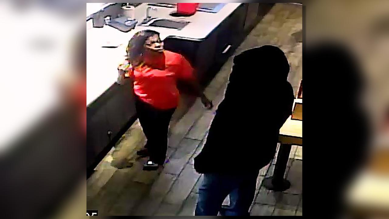 Durham police seek 2 suspects in Smashburger robbery