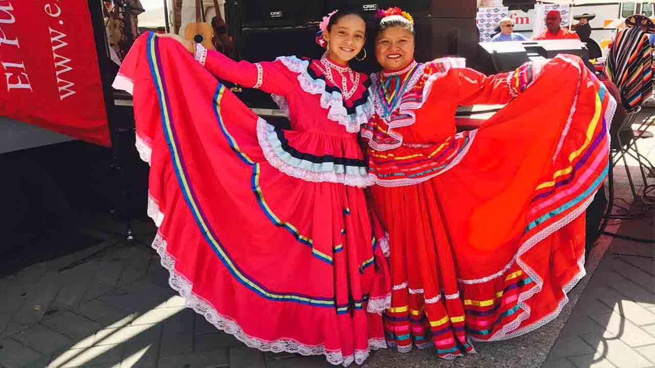 PHOTOS: La Fiesta del Pueblo 2017