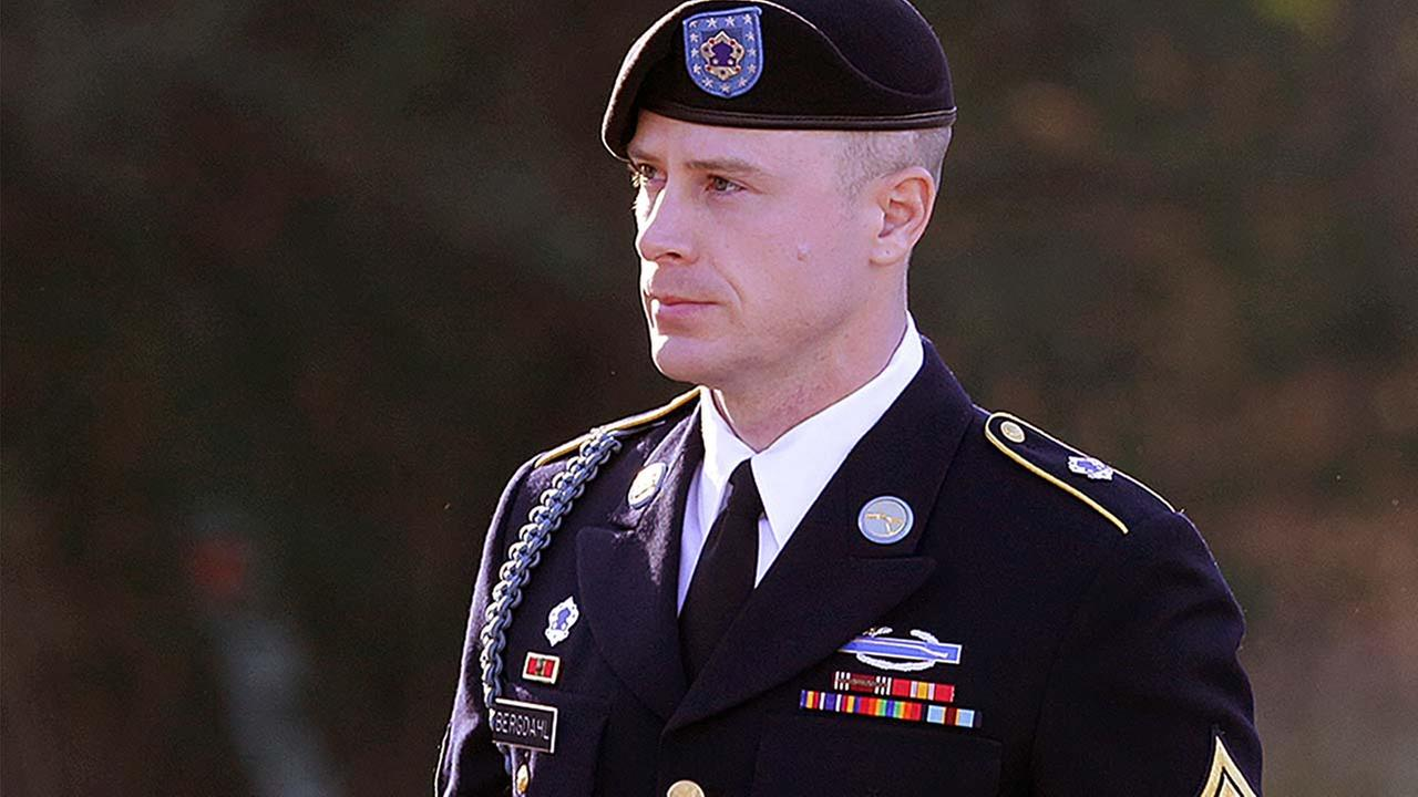 Army Sgt. Bowe Bergdahl arrives for court  (AP Photo/Ted Richardson, File)