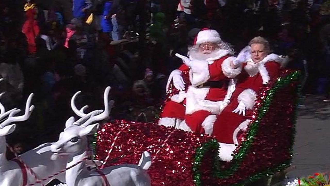 Thousands turn out for the ABC11/LeithCars.com Raleigh Christmas Parade presented by Shop Local Raleigh