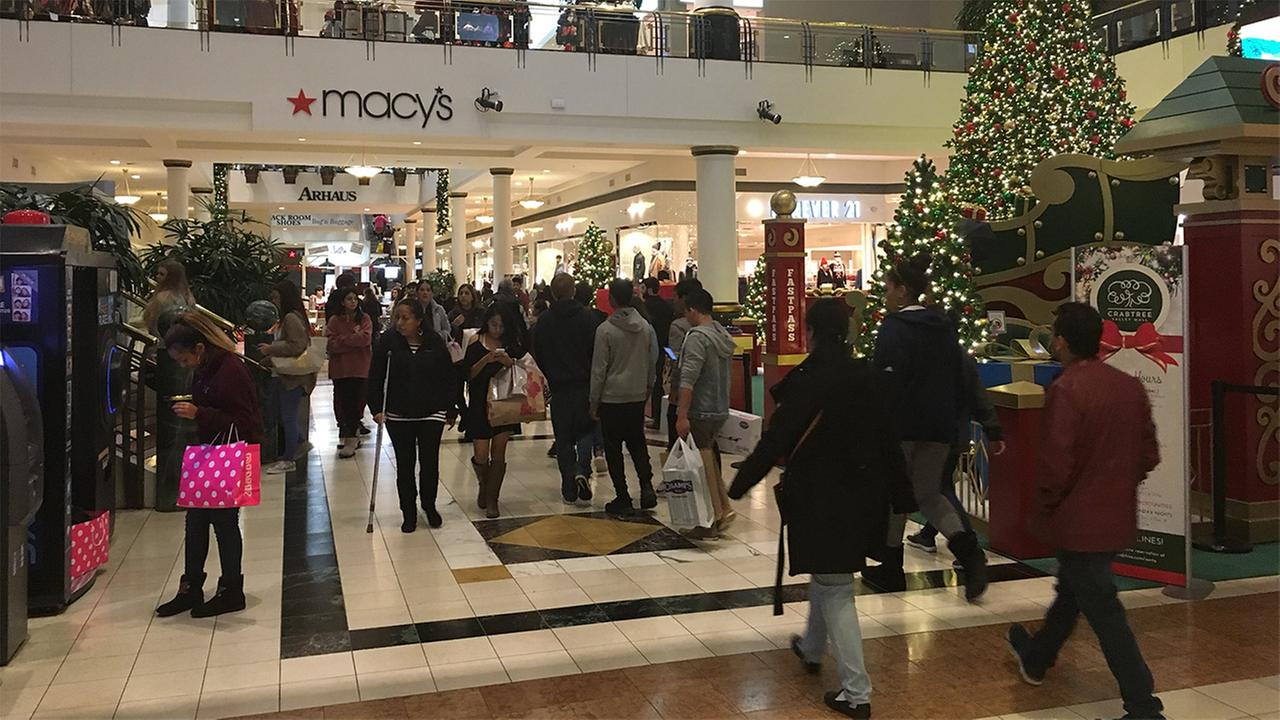 Shoppers flocked to Crabtree Valley Mall on Thanksgiving night.