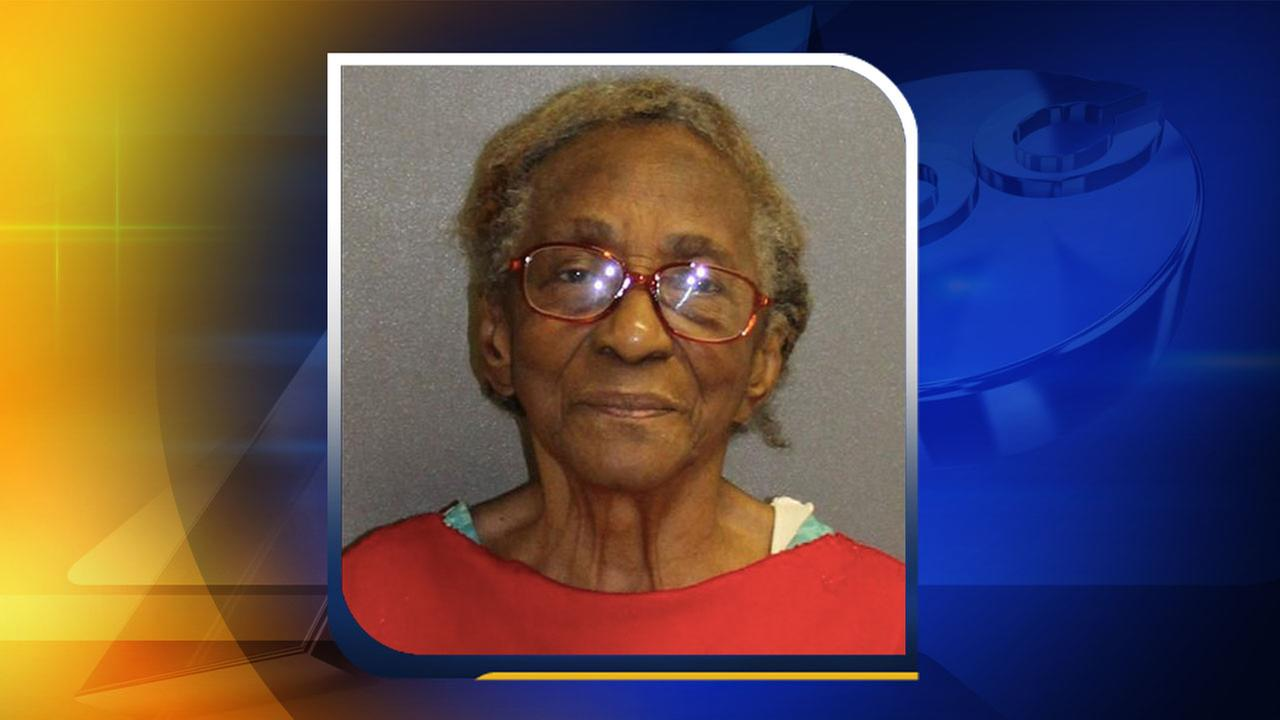 95-year-old grandma arrested after slapping granddaughter in face with slipper