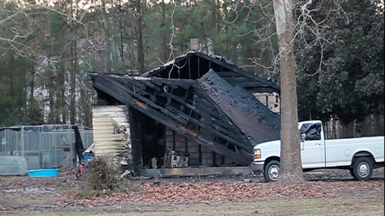Fayetteville fire on Banner Elk Drive