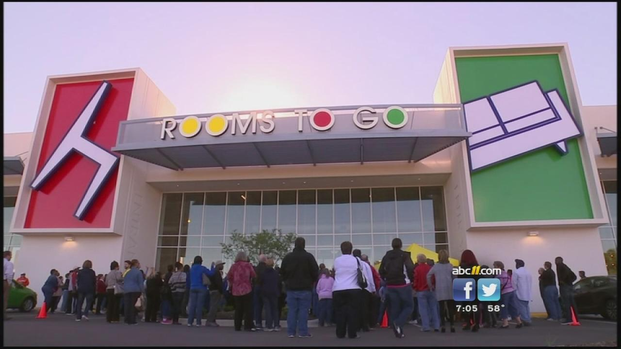 Thousands flock to Rooms To Go Super Center in Harnett County ...