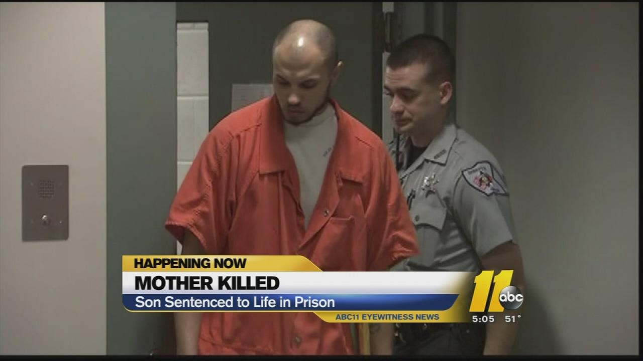 Man pleads guilty to killing mom
