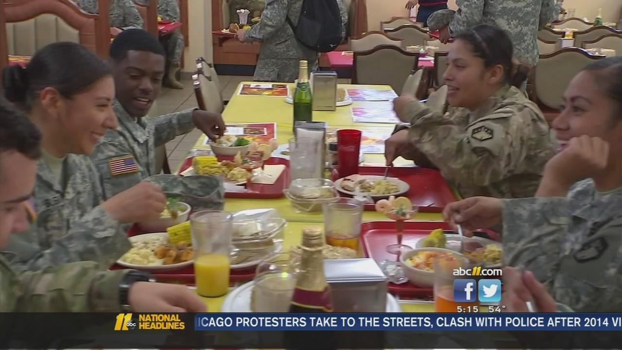 Bragg feeding thousands of troops Thanksgiving dinners