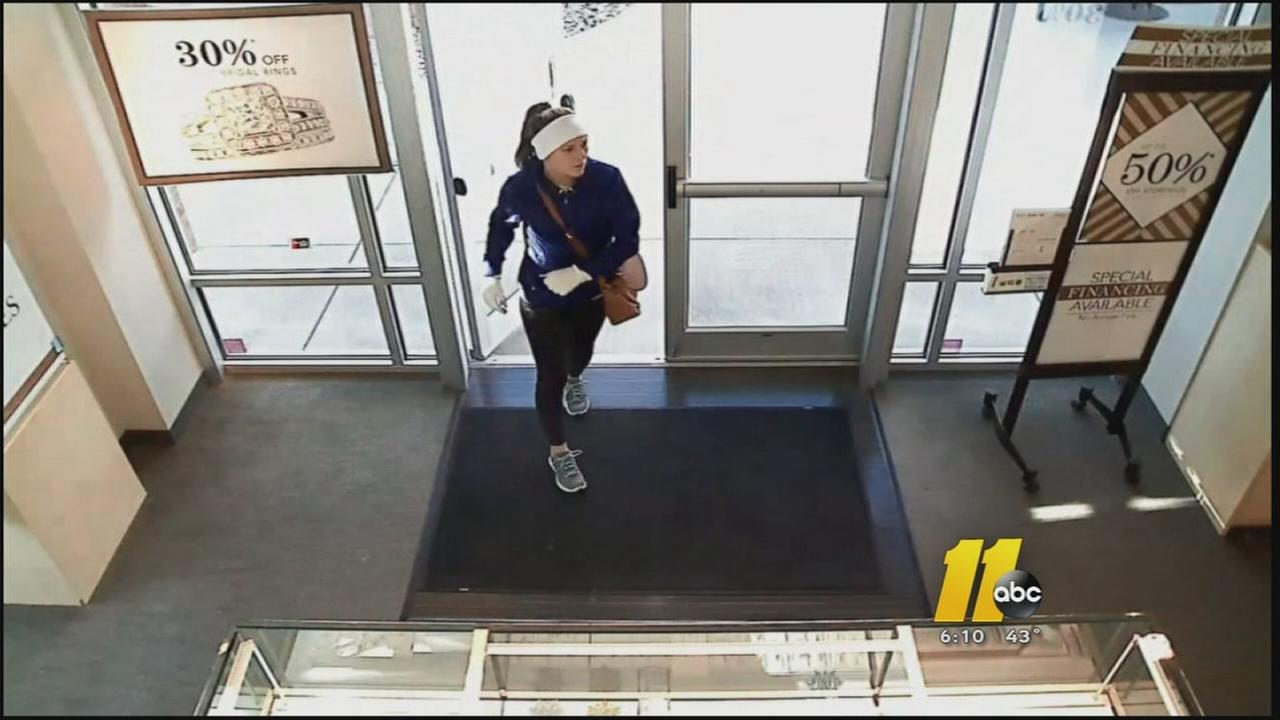 Search on for jewelry thief