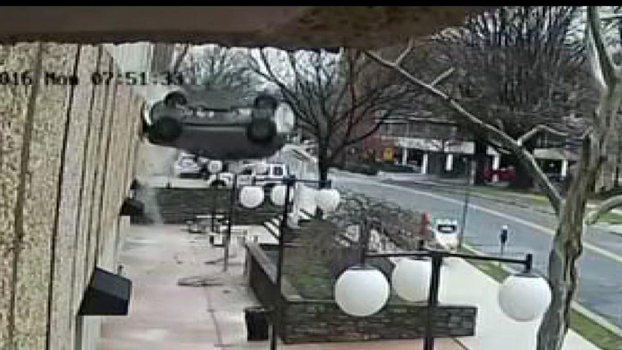Car Falls From 4th Floor Parking Deck In Maryland