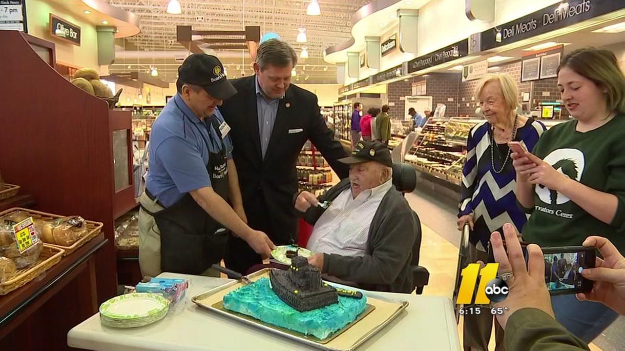 Veteran celebrates birthday at Harris Teeter