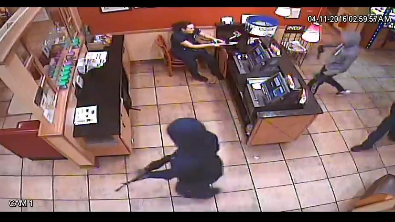 Durham restaurant robbed