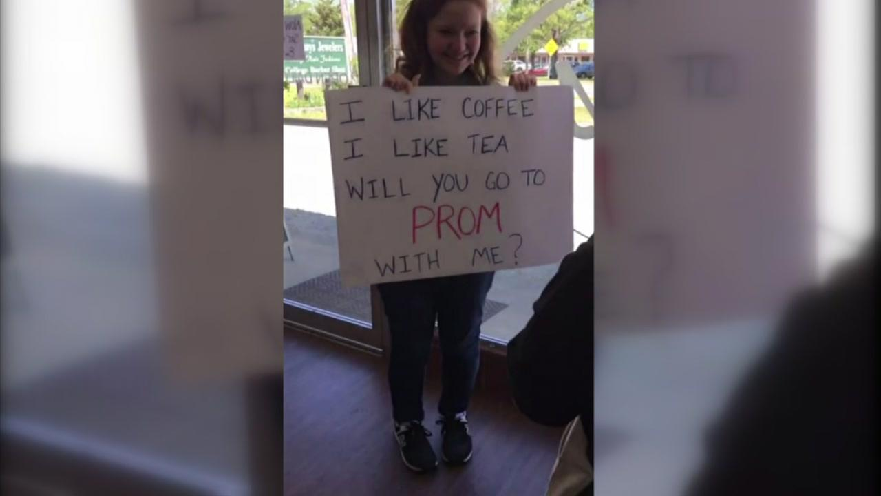 NC coffee shop promposal will melt your heart
