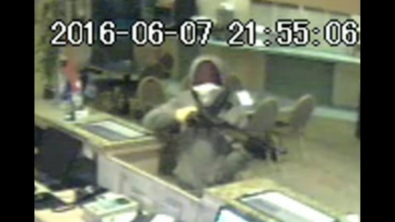 Rodeway Inn robbery