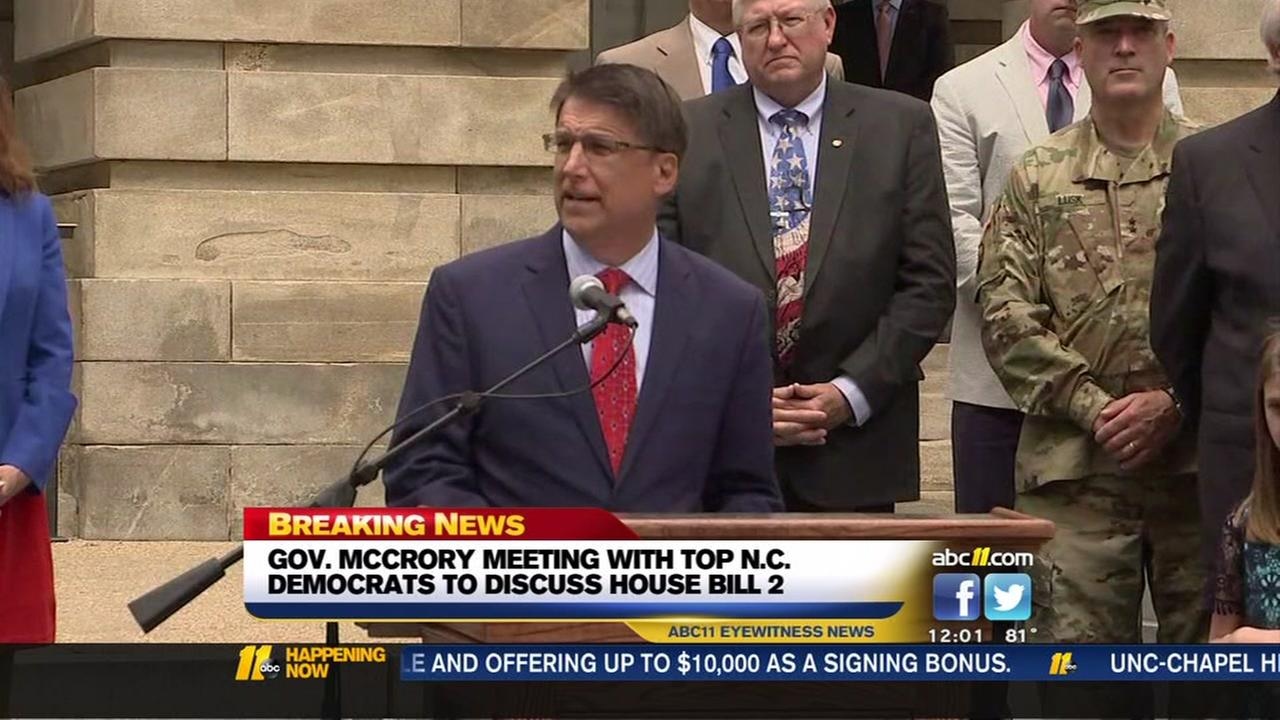McCrory meets with top NC Democrats over HB2