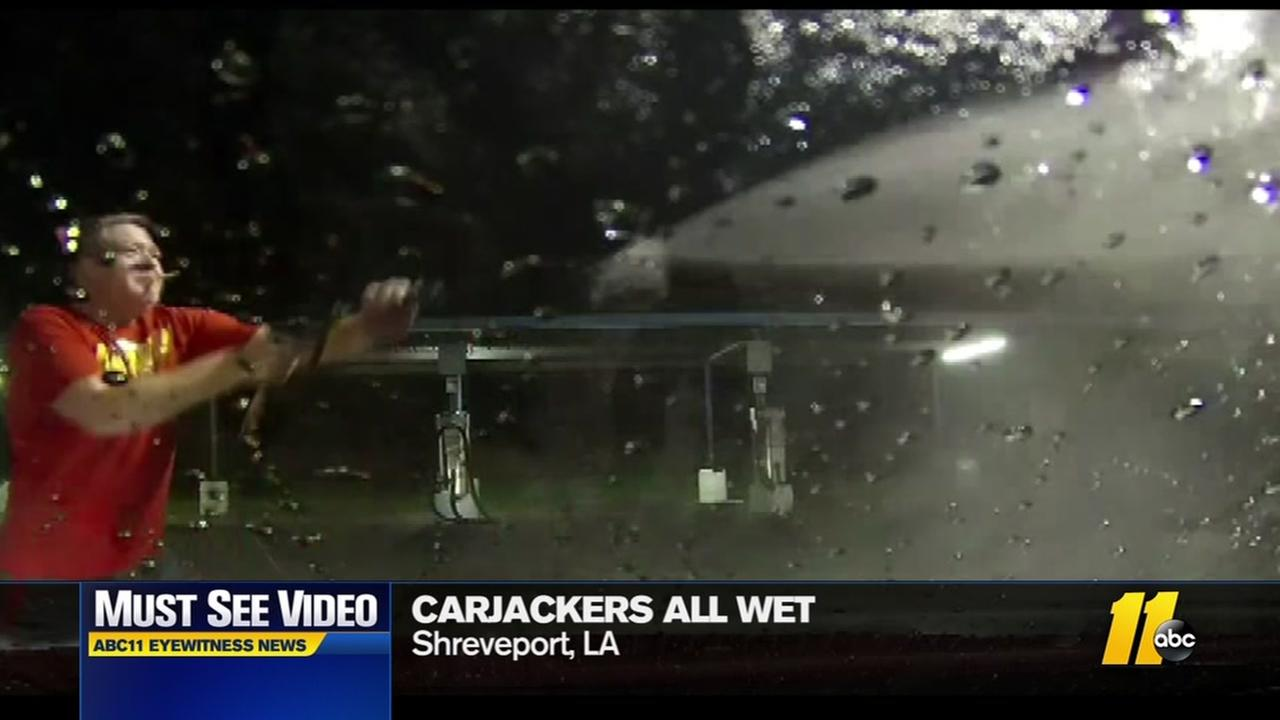 Carjackers get all wet