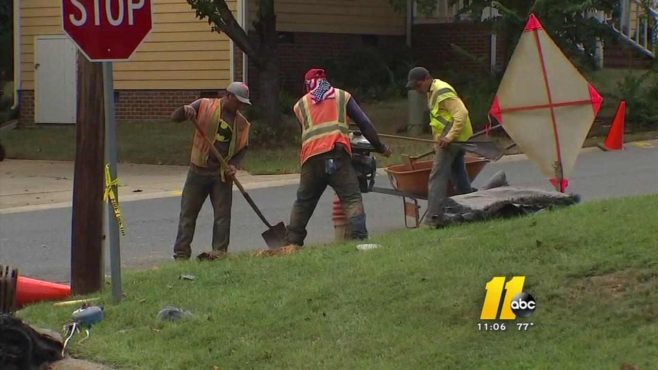 Neighbors concerned after workers slice gas line