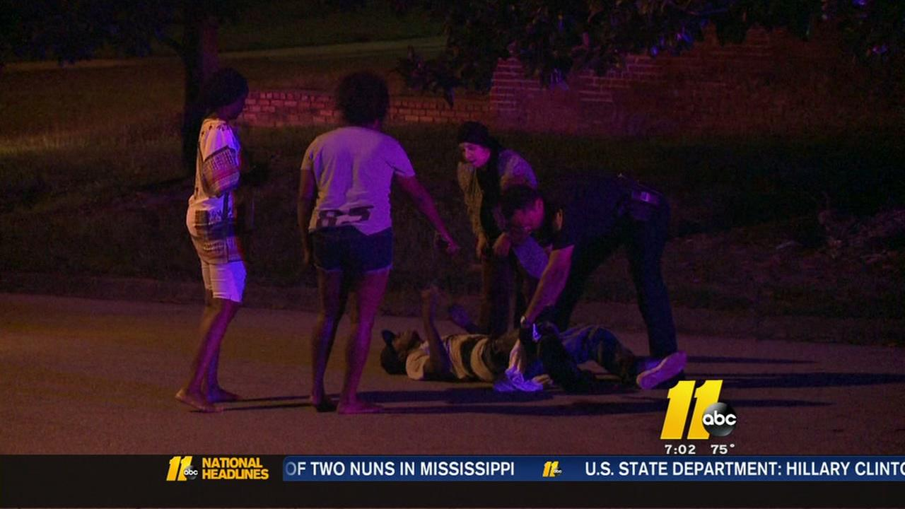 Durham shooting injures 2 on Angier Avenue