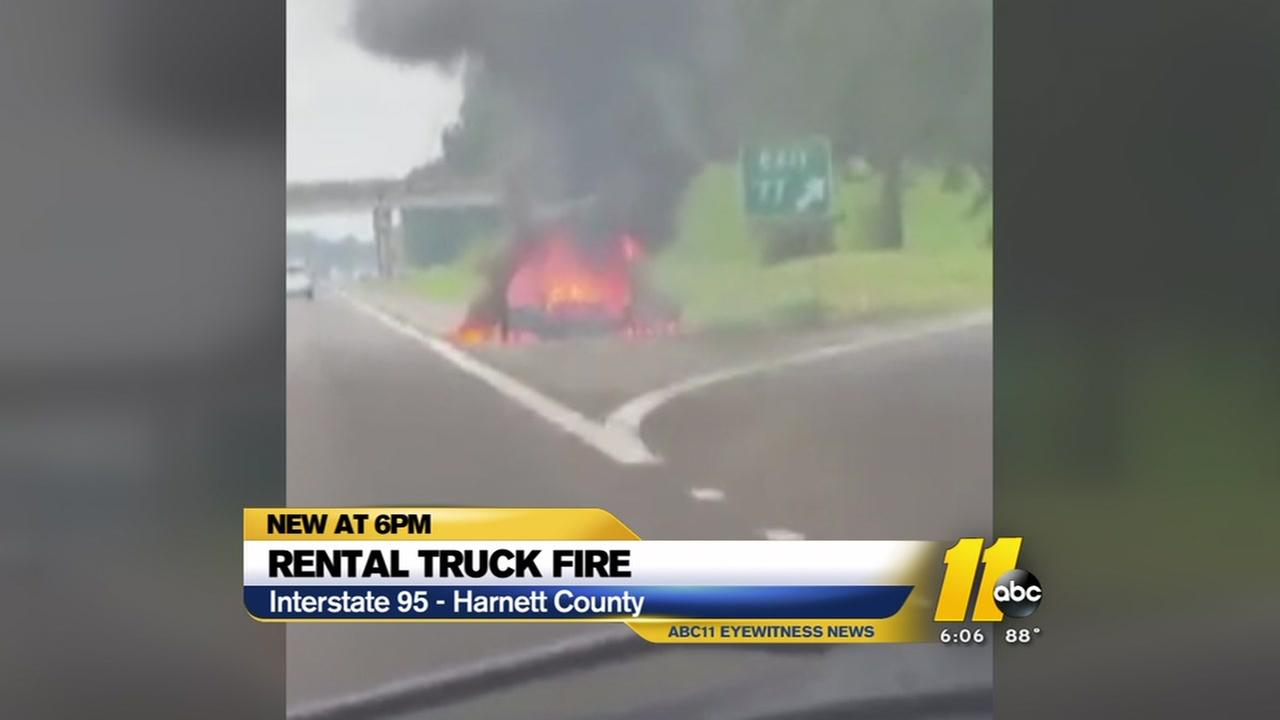 2 people escape from truck fire on I-95