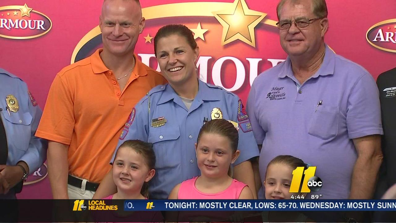 Raleigh police officer, mom given thousands in groceries