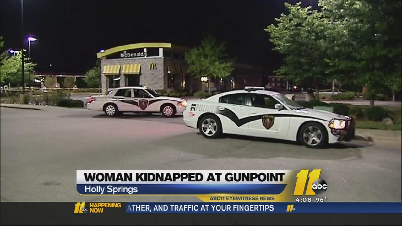McDonalds employee shot in Holly Springs