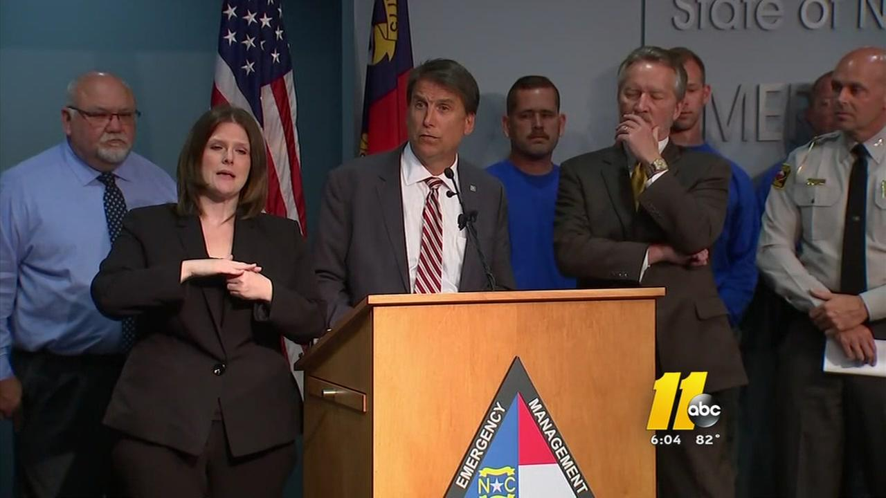 Governor updates public on Charlotte situation