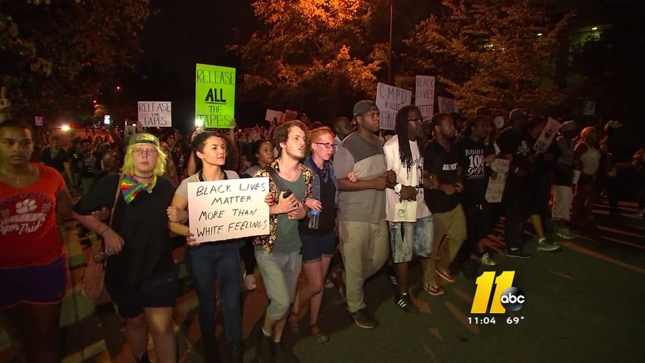 Protesters gather in Charlotte for sixth night