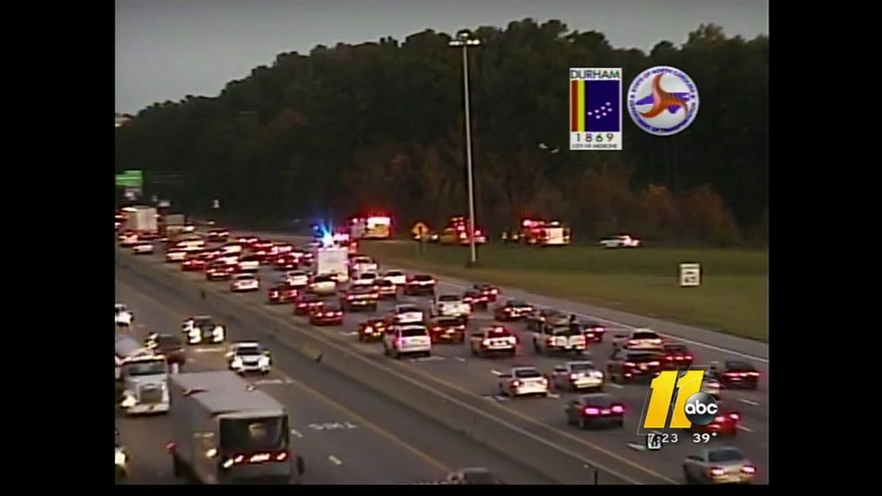 Crash on I-40 causes delays in Durham