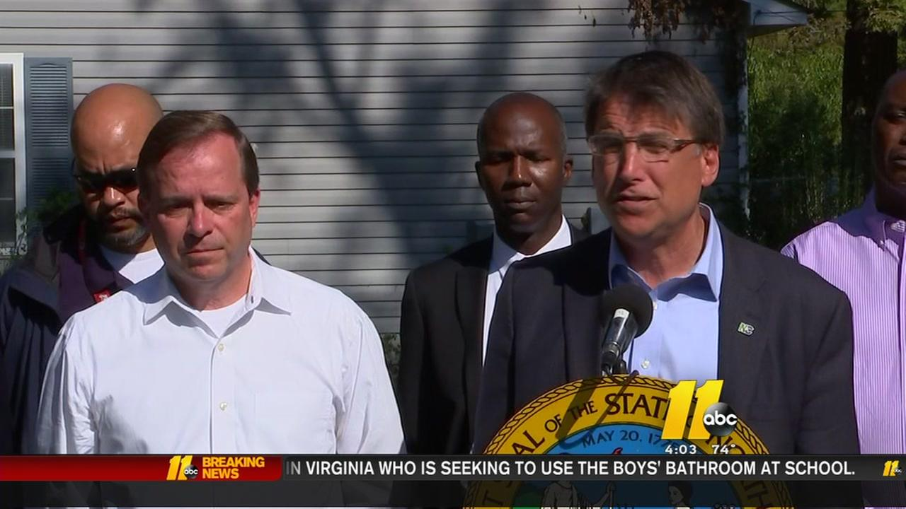 Gov. McCrory continues flood recovery tour in Fayetteville
