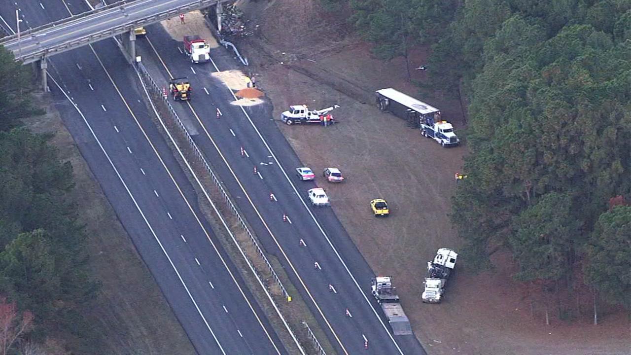 Truck carrying chicken hits I-95 bridge
