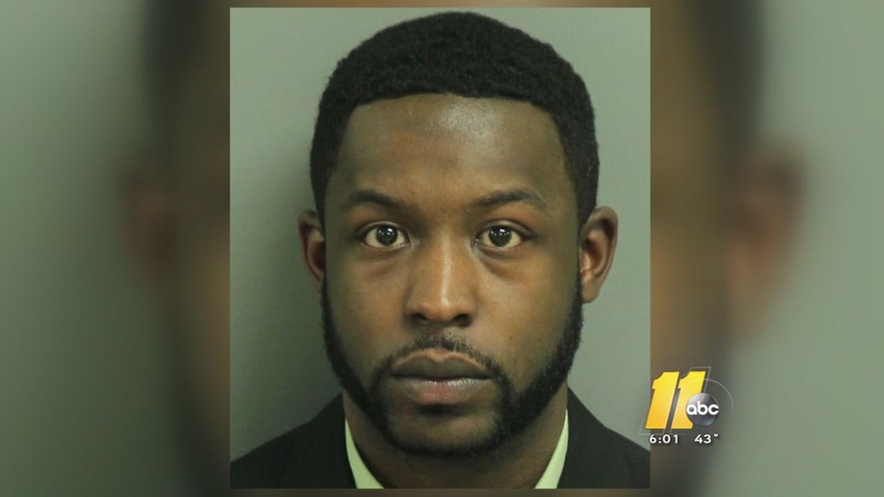 Police hunt for Raleigh hotel murder suspect after chase